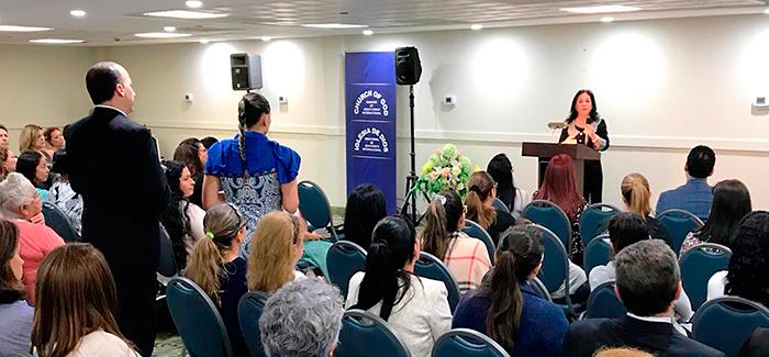 Visita de la hermana María Luisa a la Iglesia en Miami Beach, Florida (Estados Unidos)