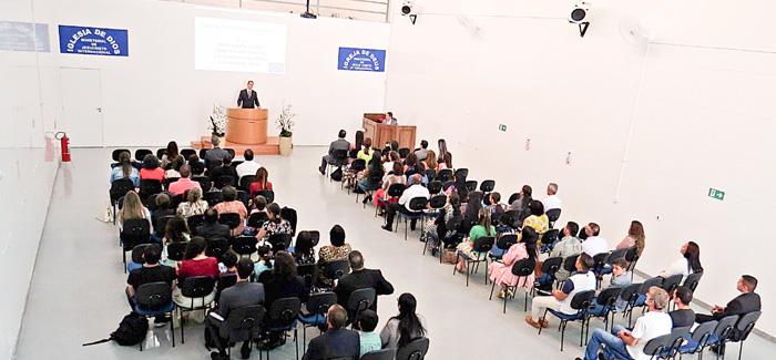Fotos del cambio de local en la Iglesia de la zona Este de São Paulo, Brasil